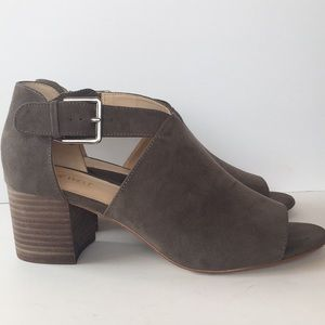 Nine West 👡 Stacked Block Heel Sandals 9.5 M